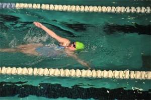 women-swimming